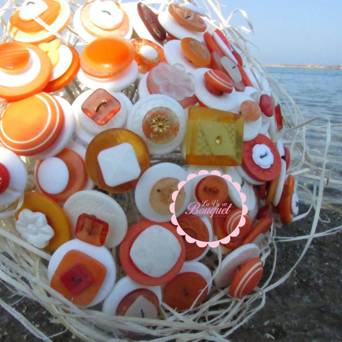 bouquet de boutons LA VIE EN BOUQUET